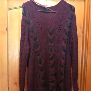 Stunning maroon chorded sweater with ribbon